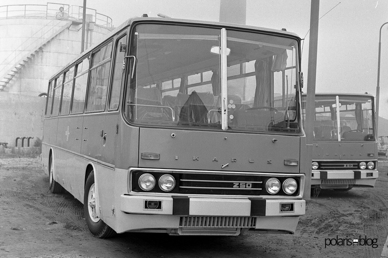 Ikarus 250.01 kivitelű autóbuszok a mátyásföldi gyár udvarán 1970-ben.